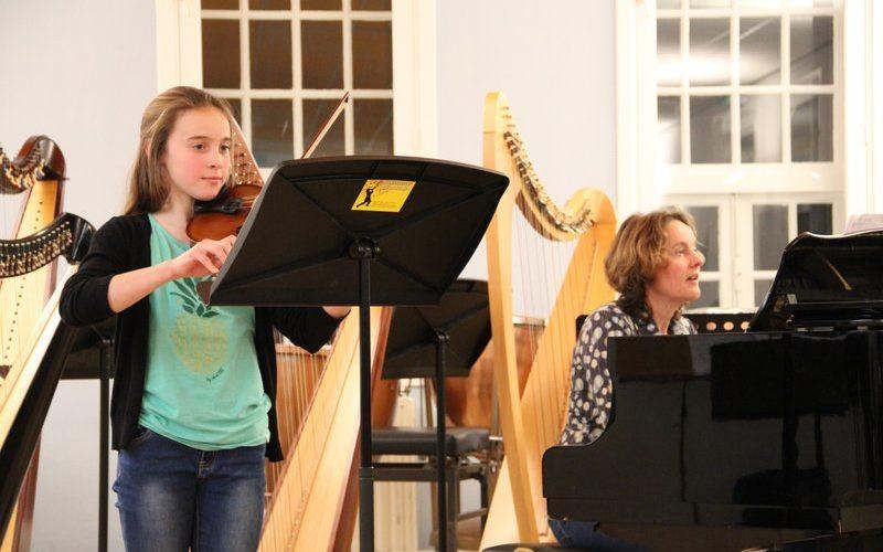 familie voorspeelavond muziekschool Boedijn te Hoorn (Eva en Jolande)